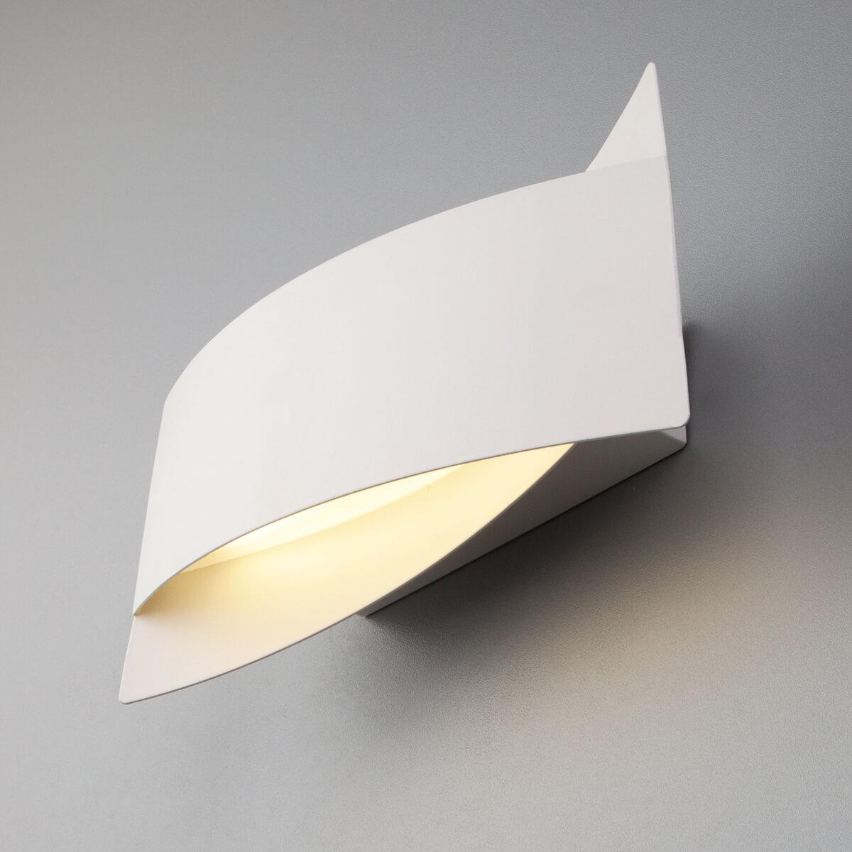 Светильник Eurosvet 40145/1 LED белый Overlap цена 2017