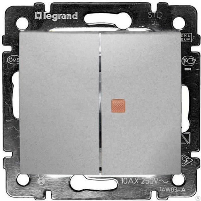 Переключатель двухклавишный Legrand Valena 10A 250V с подсветкой алюминий 770145
