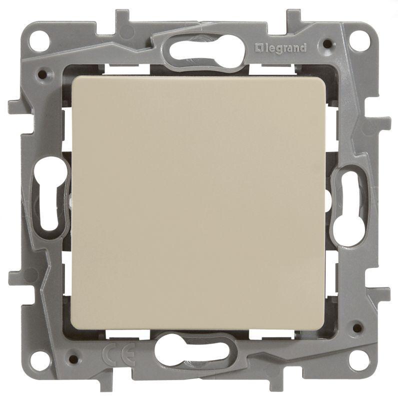 Выключатель Legrand 672301 Etika выключатель одноклавишный legrand etika 10a 250v антрацит 672601