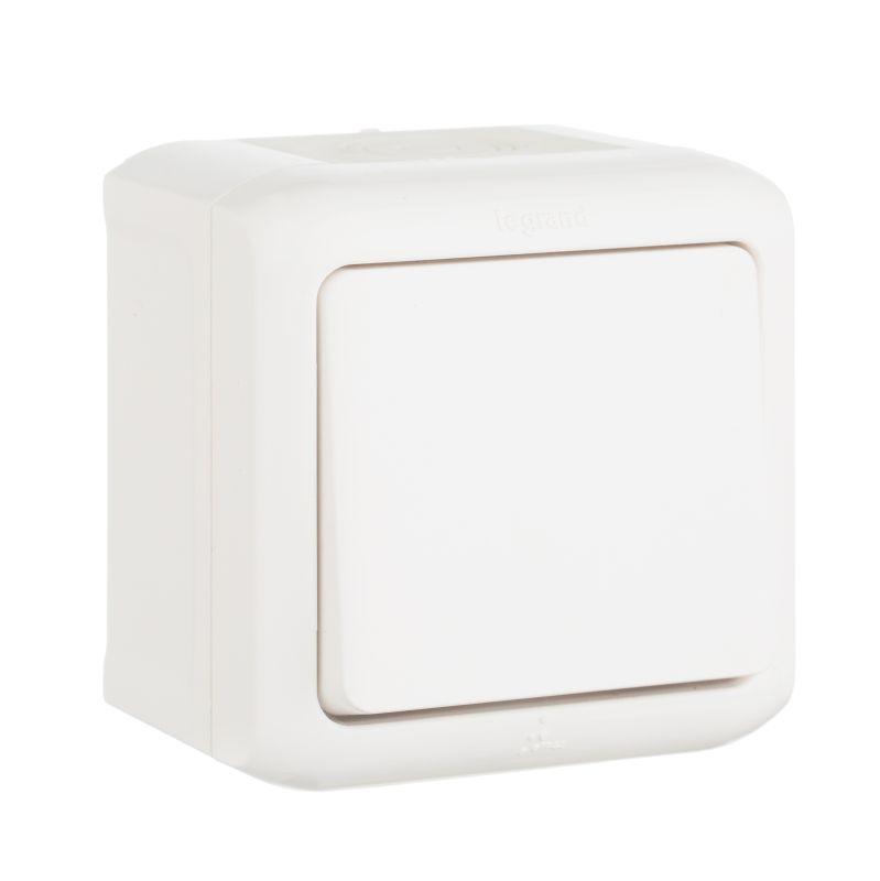 Выключатель одноклавишный Legrand Quteo 10A 250V IP44 белый 782300 выключатель одноклавишный кнопочный legrand quteo 6a 250v белый 782205