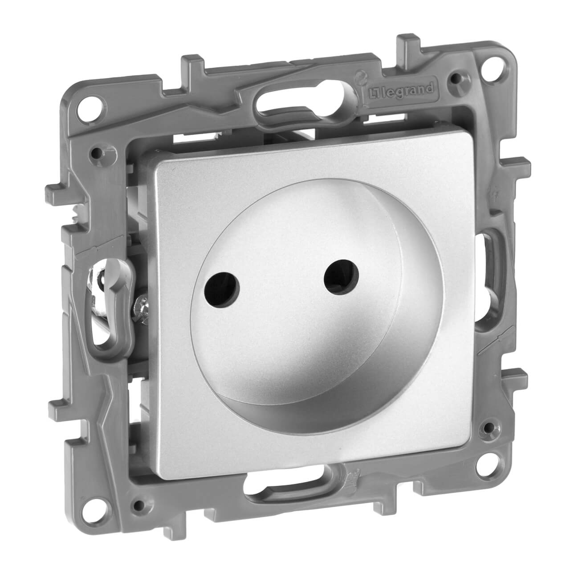 цены Розетка 2К Legrand Etika 16A 250V б/з со шторками винтовой зажим алюминий 672434