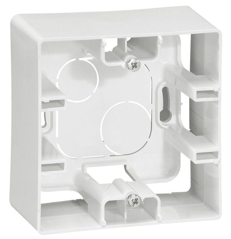 Коробка для накладного монтажа 1-постовая Legrand Etika белая 672510 бокс для накладного монтажа rexant bn 01 бежевый