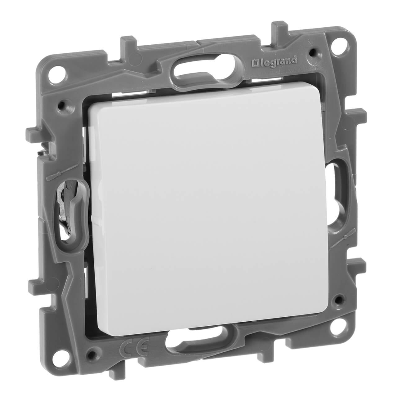 Выключатель кнопочный одноклавишный Legrand Etika 6A 250V белый 672214 выключатель одноклавишный кнопочный legrand quteo 6a 250v белый 782205