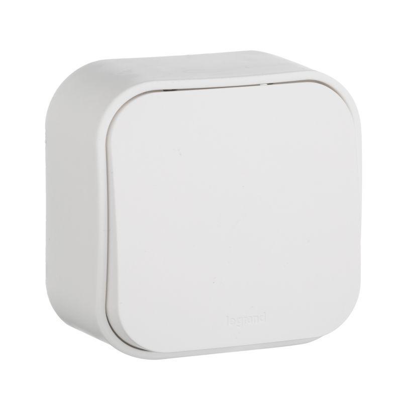 Переключатель одноклавишный на 2 направления Legrand Quteo 10A 250V белый 782204 выключатель одноклавишный кнопочный legrand quteo 6a 250v белый 782205