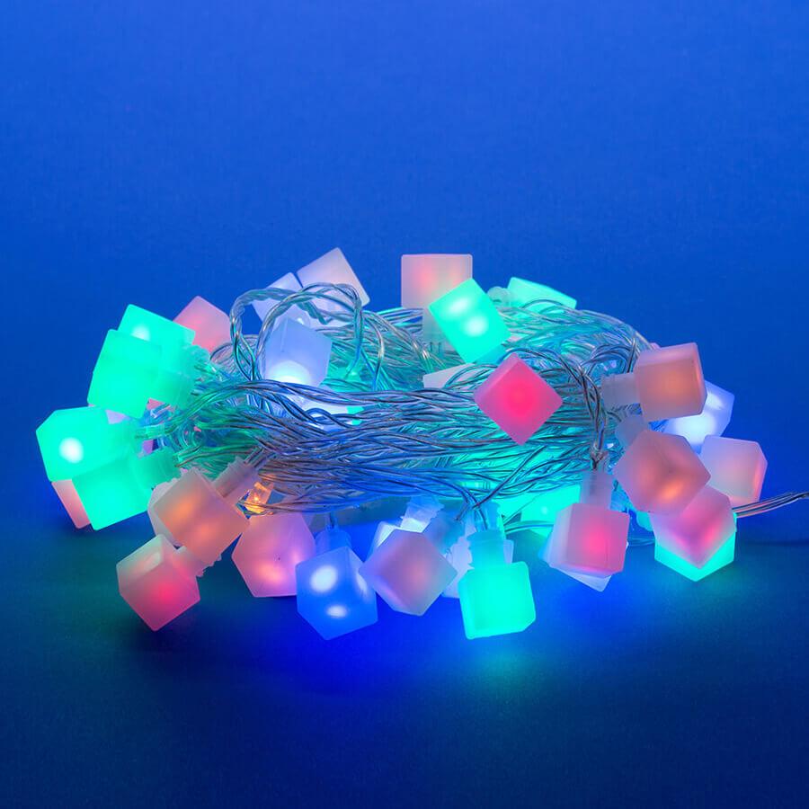 Светодиодная гирлянда (07932) Uniel Кубики 220V разноцветный ULD-S0700-050/DTA MULTI IP20 CUBES-1 uniel светодиодная гирлянда uniel сакура розовая uld s0700 050 dta pink ip20 pink sakura